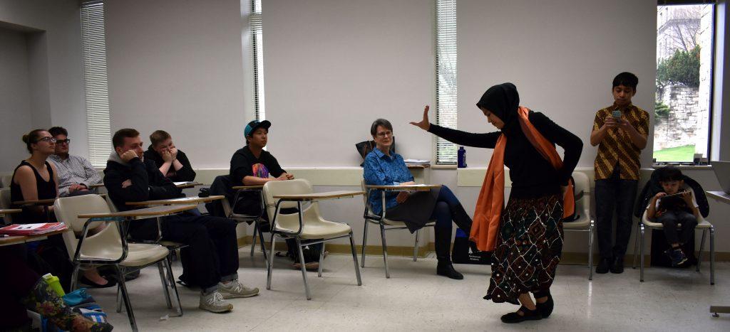 Sundanese dance demonstration in Field Methods class